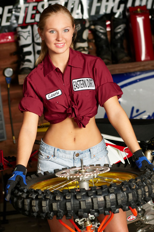 Hot Chick Changing A Tire Dirt Bike Pictures Amp Video